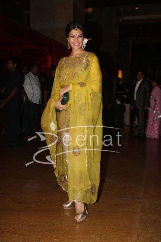 Jacqueline Fernandez at-Ritesh Deshmukh Genelia Wedding Reception