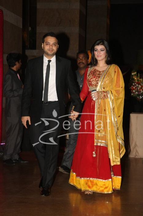 Ayesha Takia with hubby Farhan Azmi at Ritesh Deshmukh Genelia Wedding Reception at Hotel Grand Hyatt in Mumbai