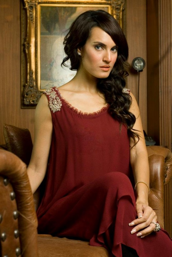 Amrah Khan Designs 2012 | Nadia Hussain