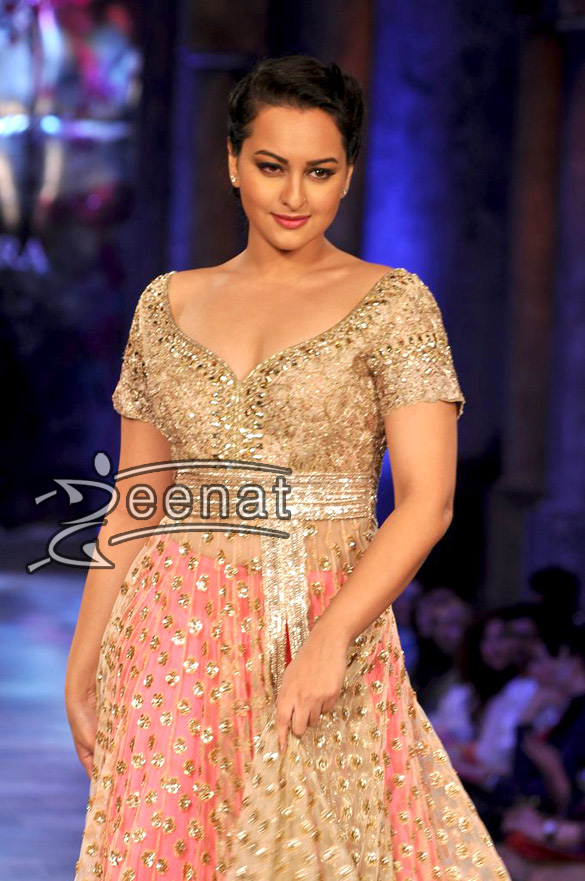 Sonakshi Sinha at Mijwan fashion show Sharara with long shirt