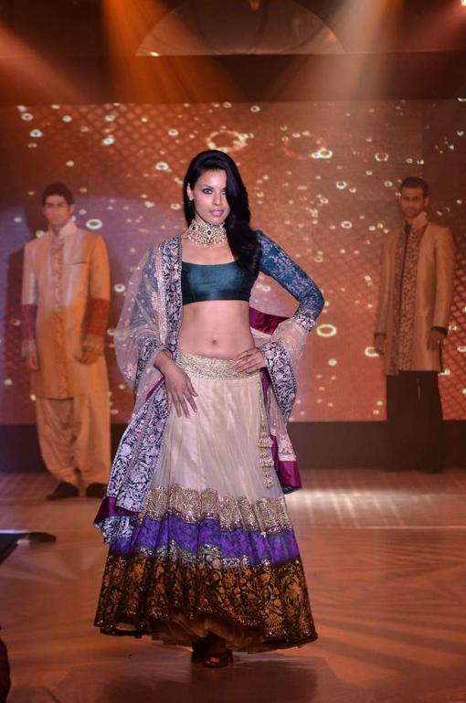 Manish Malhotra Indian Bridal Fashion 3 Zeenat Style