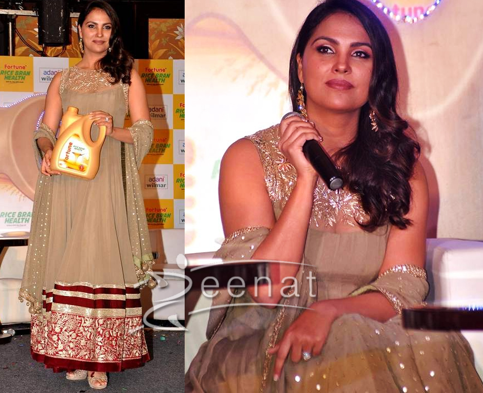 c19bd44708 Lara-Dutta-Anarkali-Dress | Zeenat Style