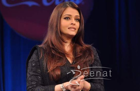 Aishwarya Rai In Abu Sandeep Churidar