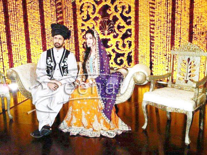 Atif-Aslam-and-Sara-BharwanaMehndi-Function