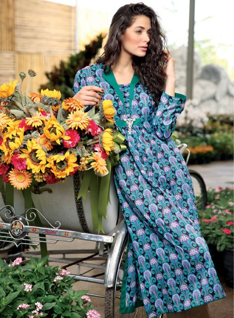 komal-lawn-summer-collection-2013-by-lsm-fabrics-11