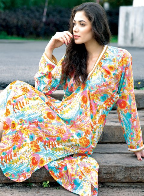 komal-lawn-summer-collection-2013-by-lsm-fabrics-7