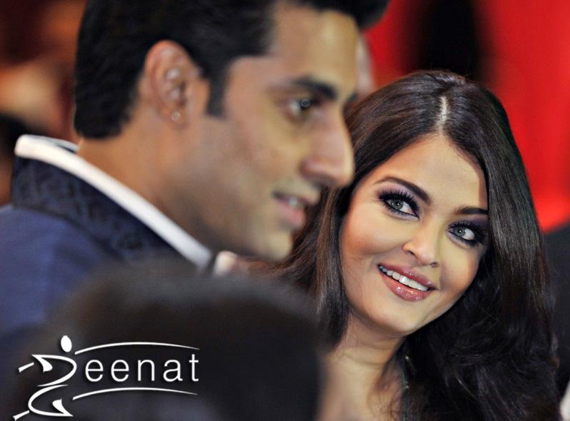 Ashwariya & Abhishek At Toifa Red Carpet