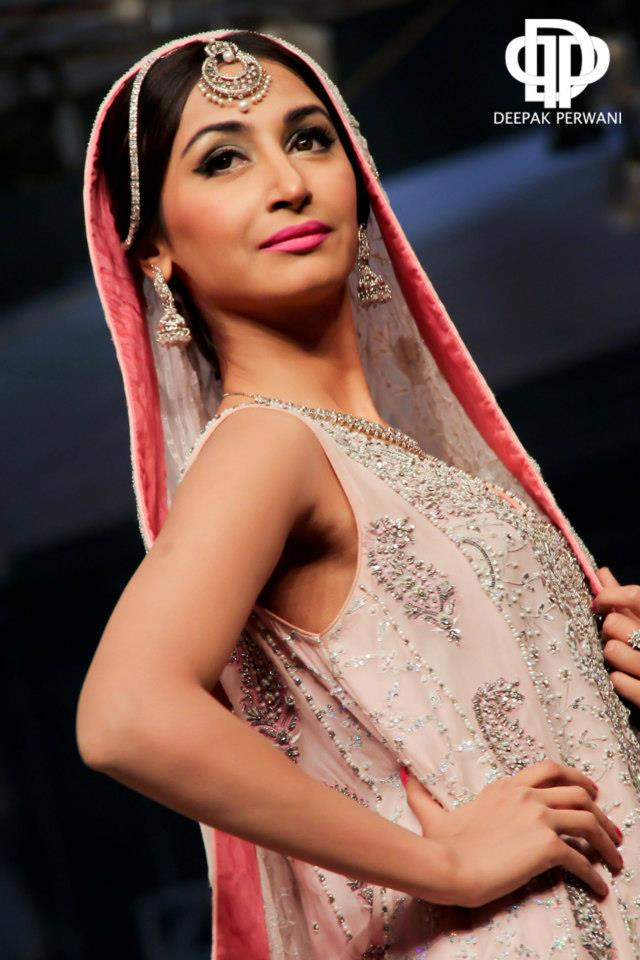 Deepak Perwani  Bridal And Groom Collection (2)