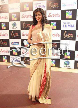 Saba-Qamar-At-Hum-TV-Awards-Redcarpet | Zeenat Style