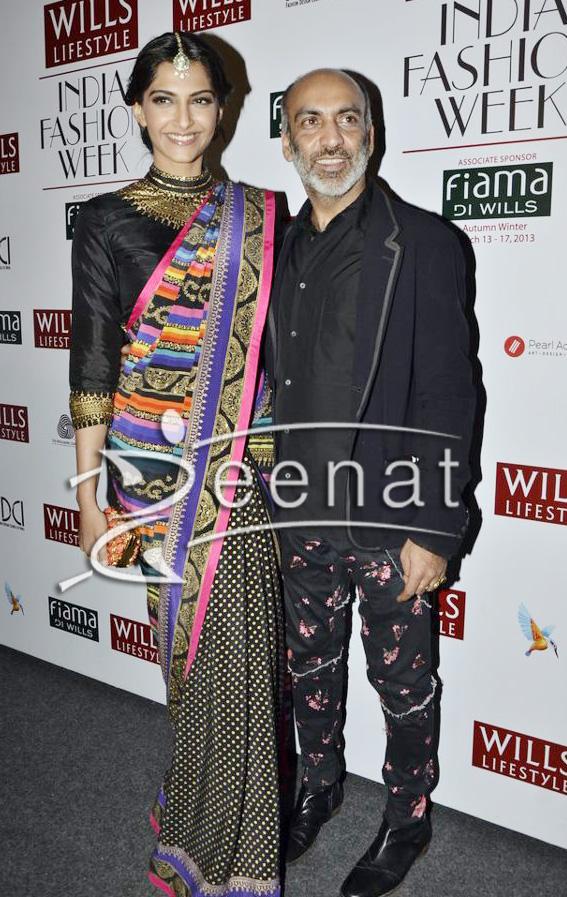 Sonam-kapoor-In-Black-Designer-Sarees