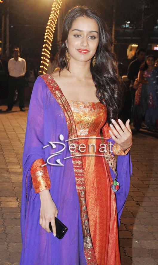 Shraddha-Kapoor-In-Red-Churidar-Salwar-Kameez
