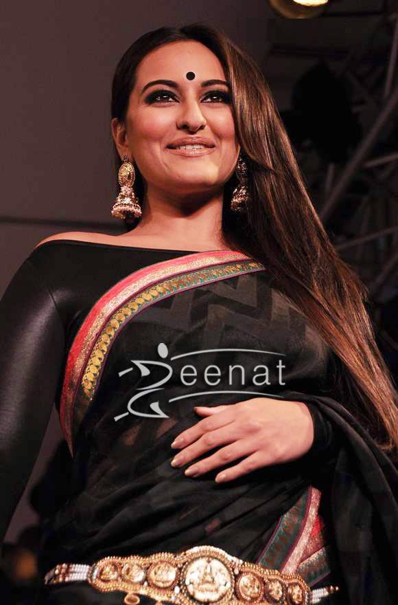 Sonakshi Sinha Bollywood Designer Saree