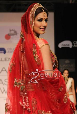 Sonali Bendre In Designer Arpita Mehta Bridal Lehenga At Lakeme Fashion Week 2013.