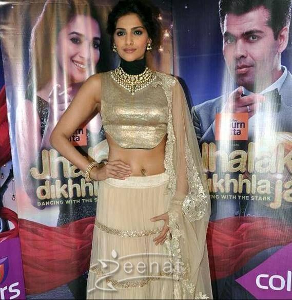 Dhanush with Raanjhanaa co star Sonam Kapoor during the movie's promotion, on the sets of Jhalak Dikhhla Jaa 6,