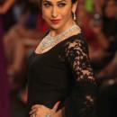 Karisma Kapoor in anarkali suite