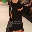 Karisma Kapoor walks the ramp for Kays Jewels at IIJW 2013-