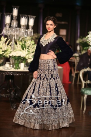 Deepika in Manish Malhotra's Collection at Delhi Couture Week 2013