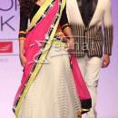 Shazahn Padamsee in avoluminous Lehenga choli Archana Kochhar at Lakmé Fashion Week