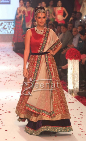 Neha Dhupia in Gitanjali Show At India International Jewellery Week 2013