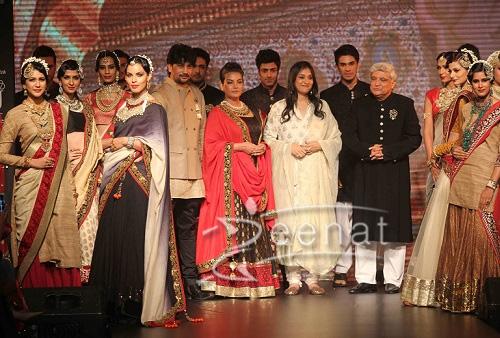 shabana in Golecha Show At India International Jewellery Week 2013