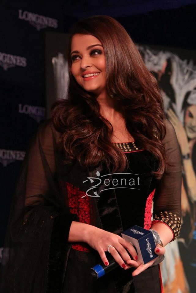 Aishwarya Rai In Bollywood Lehenga Choli