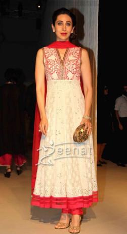 Karishma Kapoor at Lakme Fashion Week Winter Festive 2013