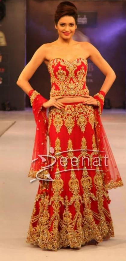 Karishma Tanna Walks The Ramp For AD Singh BPIFW 2013