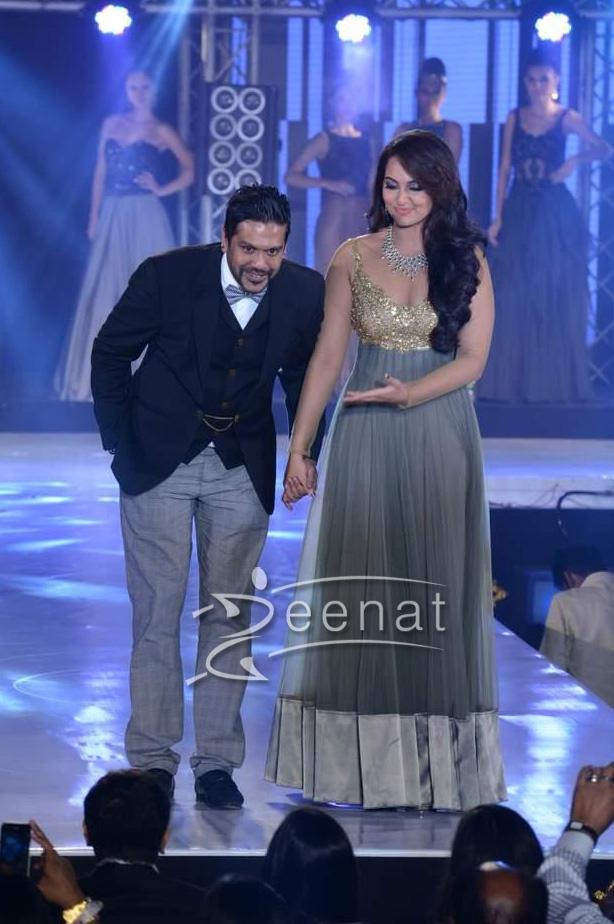 Sonakshi Sinha In Bollywood Style