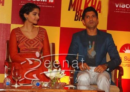 "Sonam Kapoor at Birla Sun Life Insurance Ties Up with ""Bhaag Milkha Bhaag"""