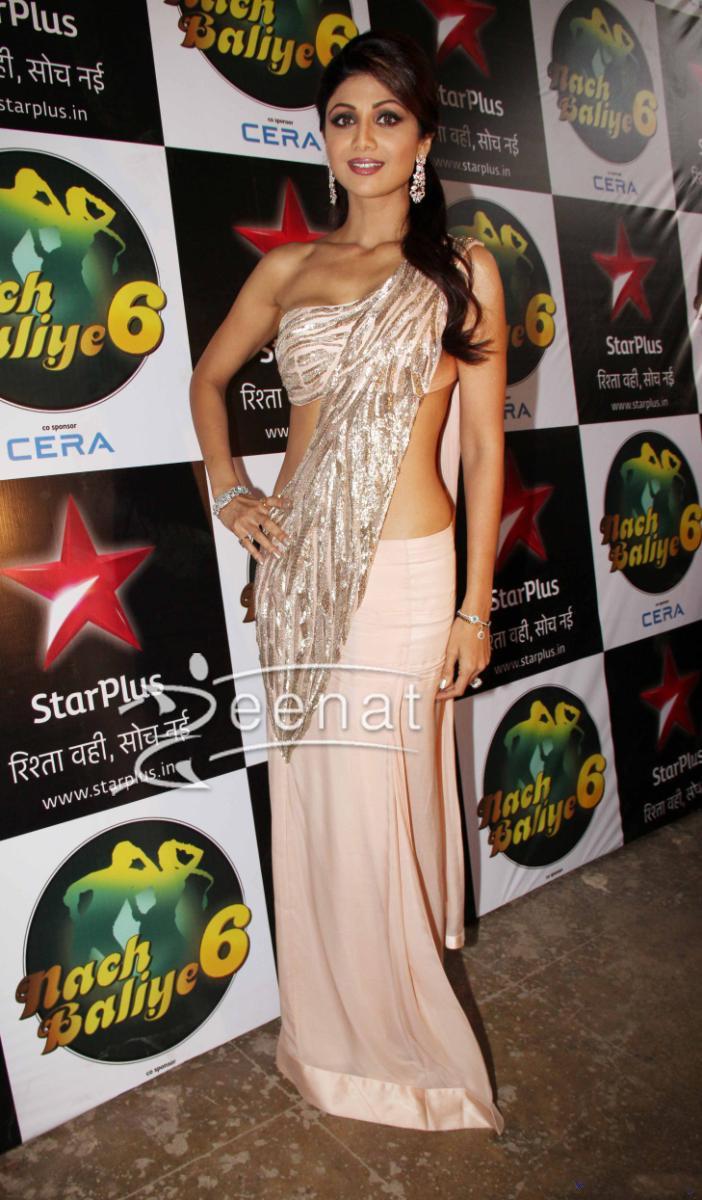 Shilpa Shetty At Diwali Celebrations on Nach Balliye Sets