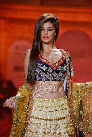 Jacqueline Fernandez walks The Ramp For Nivedita Saboo at ABIL