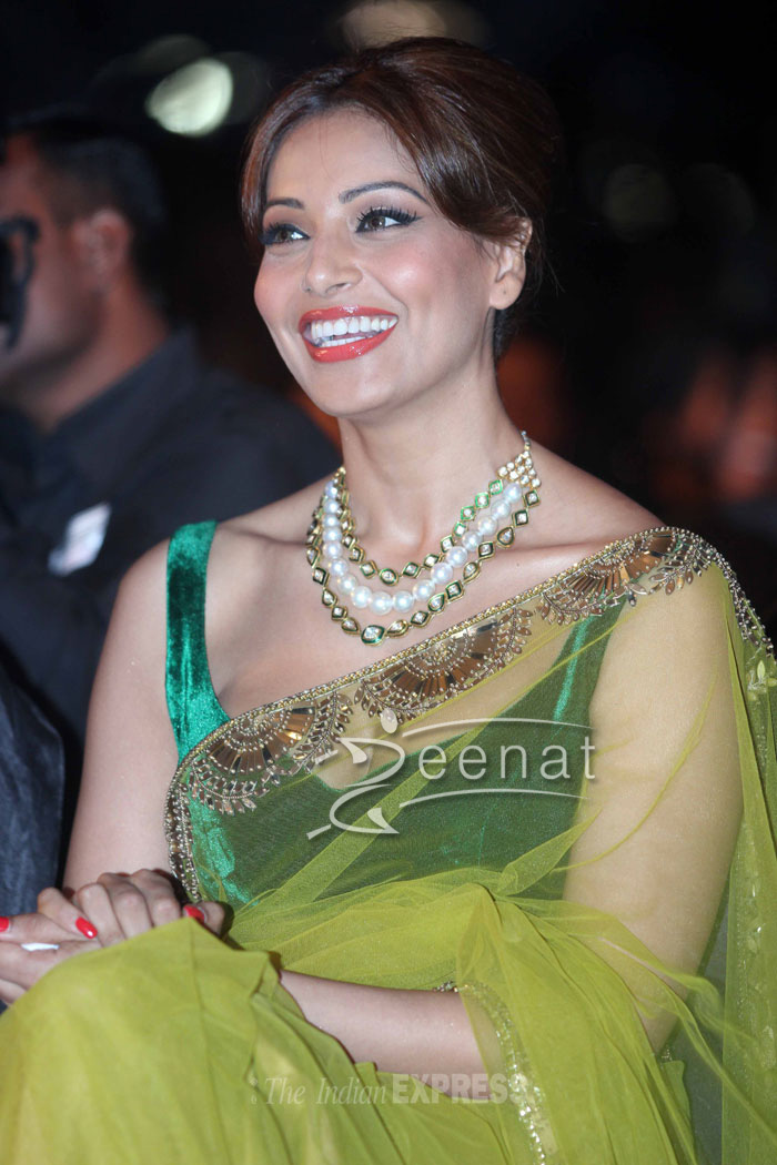 Bipasha Basu In Bollywood Saree