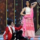 "Kangana Ranaut Promotes ""Queen"" on Dance India Dance"