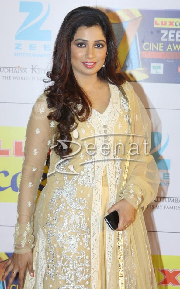 Shreya Ghoshal In Anarkali Suit