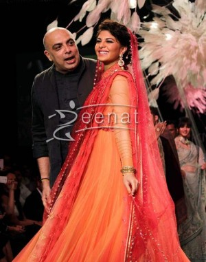 Jacqueline Fernandez Show stopper for Tarun Tahiliani at LFW SR 2014 Day 2