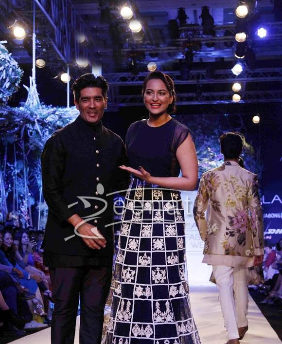 Sonakshi Sinha for Manish Malhotra at 2014 LFW Summer Resort