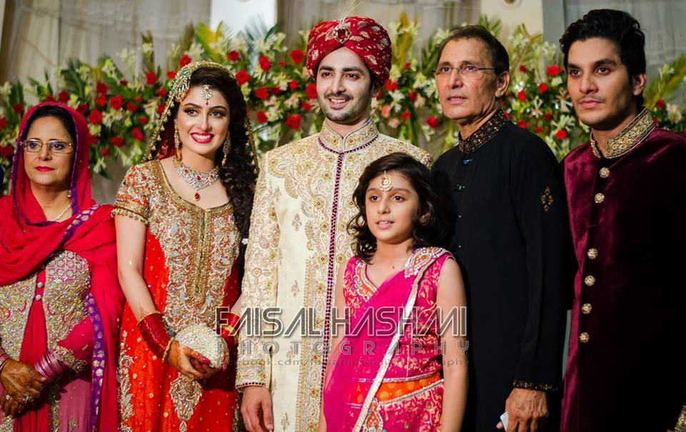 Ayeza Khan Wedding Stills 2 Zeenat Style