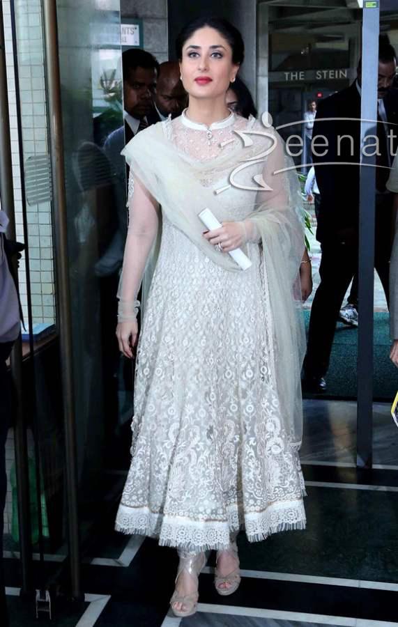 Kareena Kapoor 2014 Makeup And Hairstyle Zeenat Style