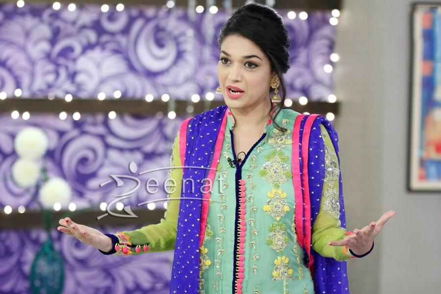 Sanam Jung In Utho Jaago Pakistan