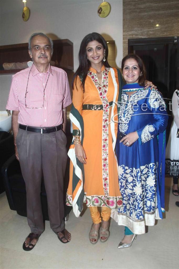 Shilpa Shetty inaugurates IOSIS Wellness centre  (10)
