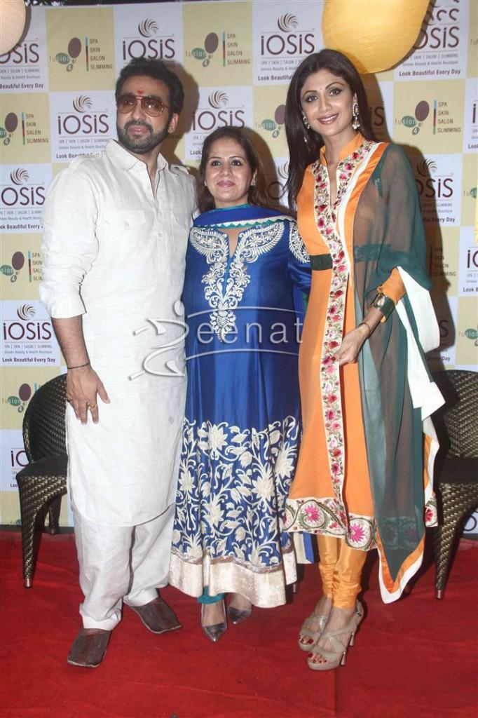 Shilpa Shetty inaugurates IOSIS Wellness centre  (25)