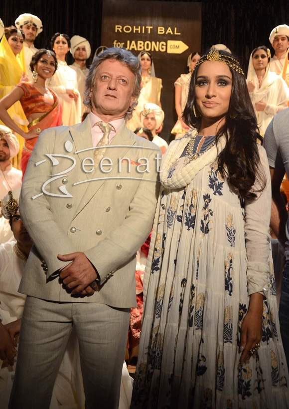 Shraddha-Kapoor-at-Rohit-Bal-Jabong-Show