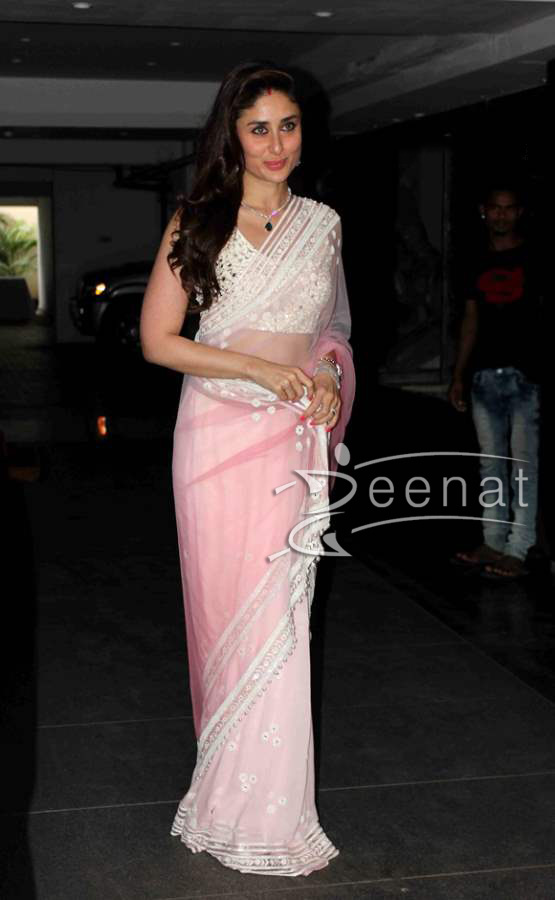 Kareena-Kapoor-in-Pink-Saree-at-Soha-Ali-Khan-Wedding