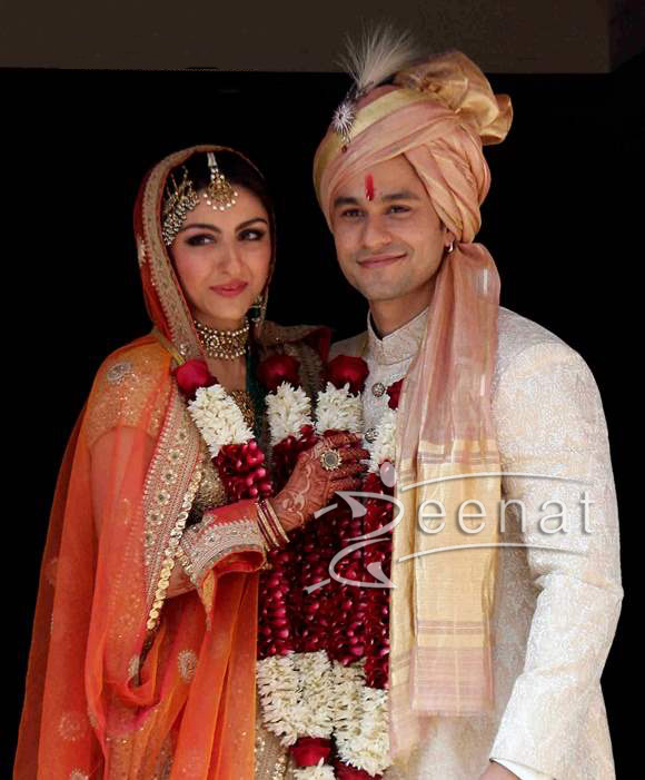 Soha-Ali-Khan-and-Kunal-Khemu-Wedding-Pictures