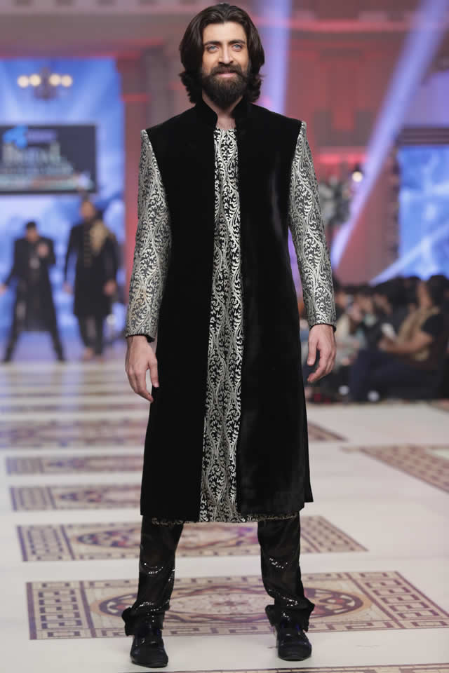 Munib_Nawaz_Paradise_Express_Collection_TBCW_2014_12