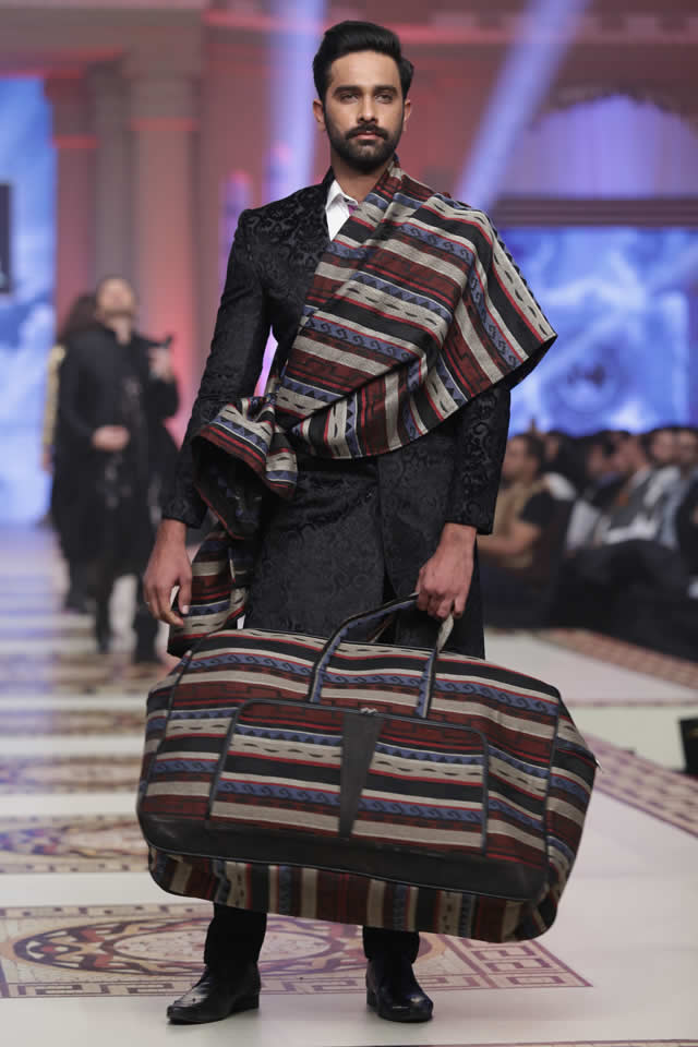 Munib_Nawaz_Paradise_Express_Collection_TBCW_2014_9