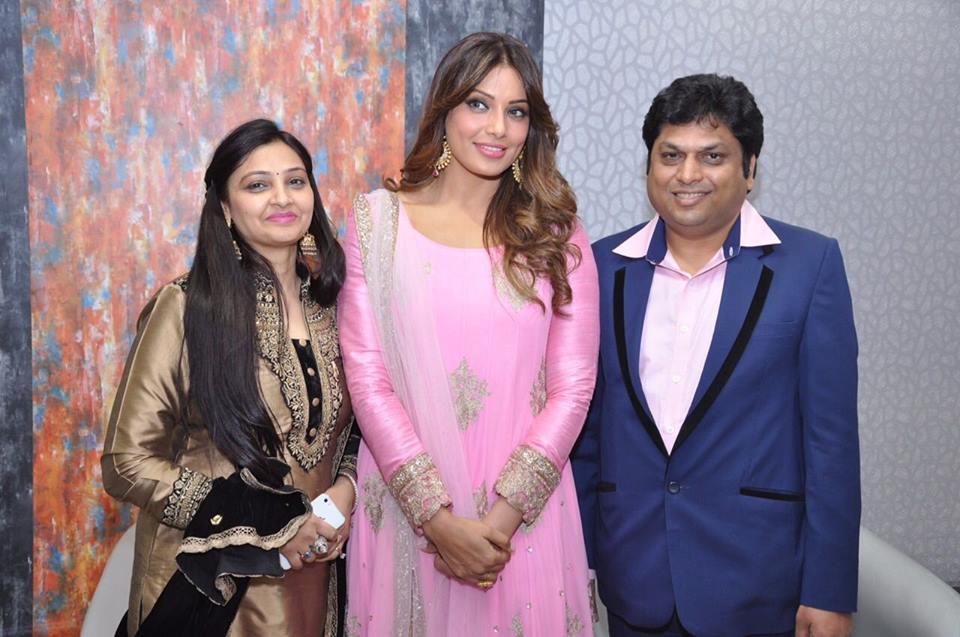 Bipasha PCJeweller 's Varanasi store opening