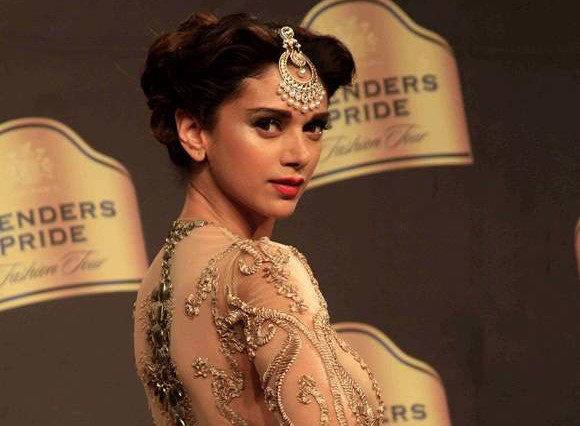 Aditi Rao Hydari In Neeta Lulla Golden Dress Blenders Pride