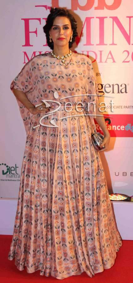 Neha-Dhupia-in-Payal-Singhal-at-the-Grand-Finale-of-Femina-Miss-India-2015