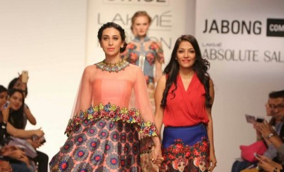 Karisma Kapoor Lakme Fashion Week 2015 (4)